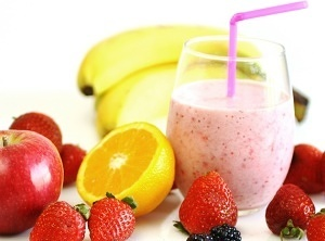Apple-Berry-Orange-and-Banana-Smoothie-570x667